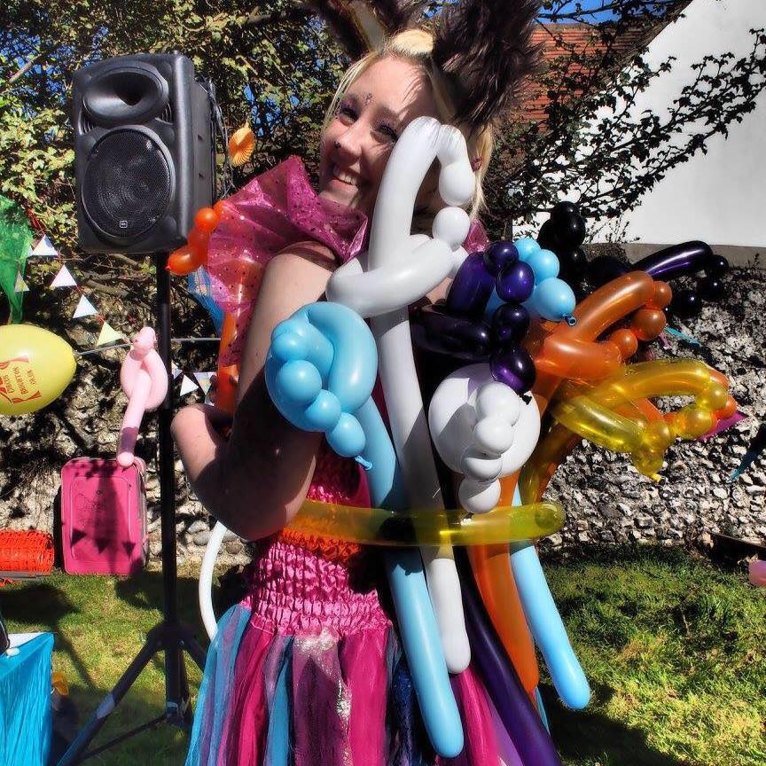 balloon-twister-modeller